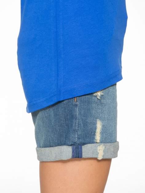 Niebieski t-shirt z numerkiem 10 na plecach i rękawie                                  zdj.                                  11
