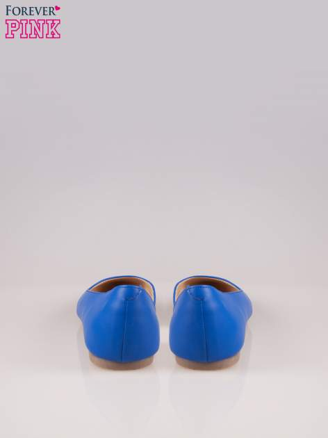Niebieskie baleriny faux leather Cookie w szpic z wycięciem z boku                                  zdj.                                  3