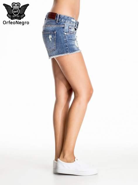Niebieskie jeansowe szorty z postrzępioną nogawką                                  zdj.                                  3