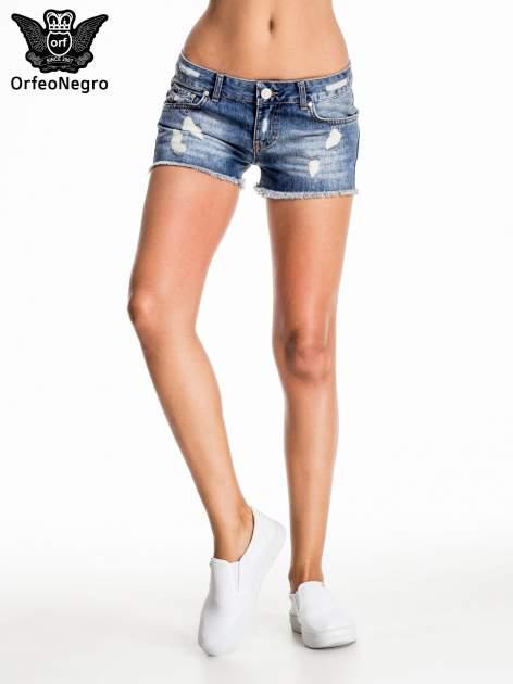 Niebieskie jeansowe szorty z postrzępioną nogawką                                  zdj.                                  1