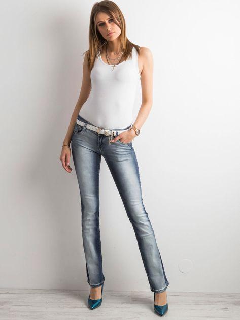 Niebieskie jeansy bootcut                              zdj.                              4