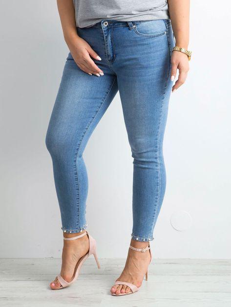 Niebieskie jeansy z aplikacjami PLUS SIZE                              zdj.                              3