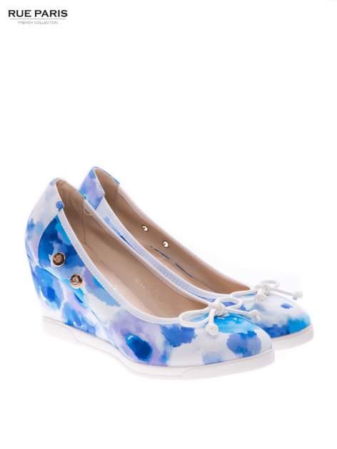 Niebieskie kwiatowe koturny                                  zdj.                                  2