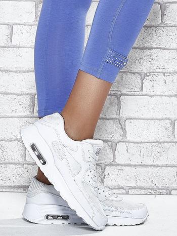 Niebieskie legginsy sportowe z patką z dżetów na dole                                  zdj.                                  7
