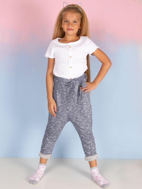 Niebieskie spodnie dresowe dla dziewczynki z wiązaniem                              zdj.                              1