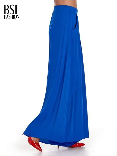 Niebieskie zwiewne spodnie typu culottes                                  zdj.                                  3