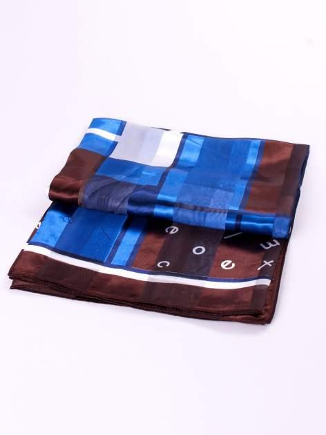 Niebiesko-brązowa chusta apaszka z nadrukiem literowym                                  zdj.                                  3