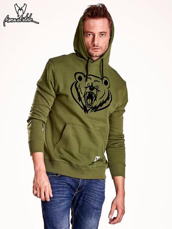 Oliwkowa bluza męska z kapturem i nadrukiem niedźwiedzia                                  zdj.                                  6