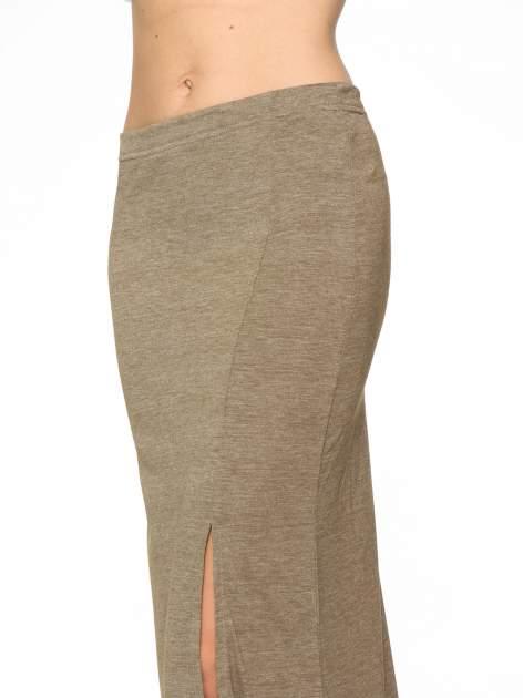 Oliwkowa melanżowa spódnica maxi z rozcięciem                                  zdj.                                  6
