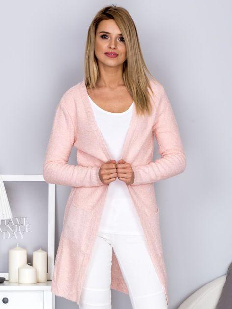 Otwarty sweter boucle z kieszeniami jasnoróżowy                              zdj.                              1