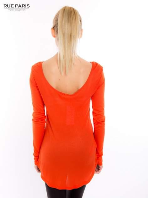 Pomarańczowa bluzka z dekoltem na plecach                                  zdj.                                  3