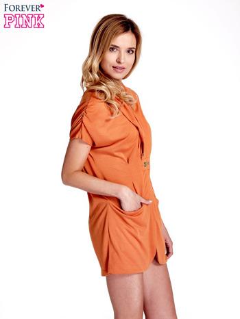 Pomarańczowa drapowana sukienka z kieszeniami                                  zdj.                                  3