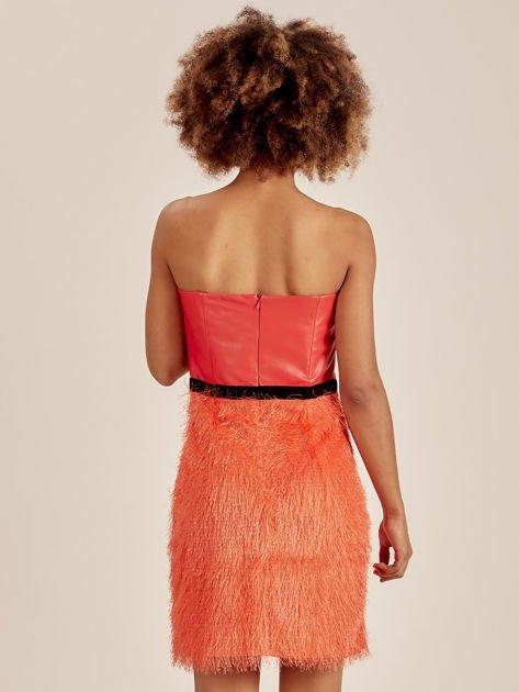Pomarańczowa sukienka z frędzelkami                               zdj.                              3