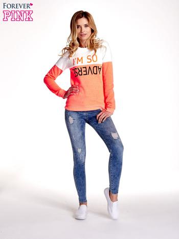 Pomarańczowo-biała bluza z napisem I'M SO ADVERSE                                  zdj.                                  2