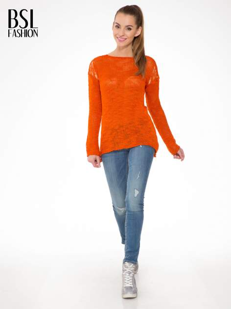 Pomarańczowy sweter z oczkami przy ramionach                                  zdj.                                  2