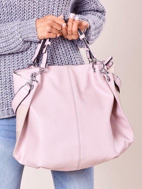 Pudroworóżowa torba shopper z geometrycznymi modułami                              zdj.                              5