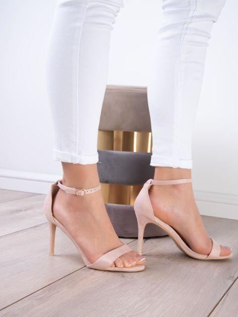 Pudroworóżowe sandały z eco zamszu ze złotą sprzączką                              zdj.                              11