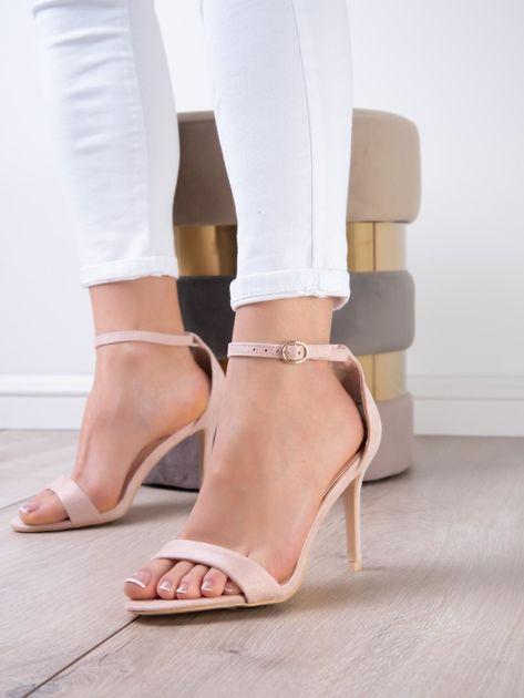 Pudroworóżowe sandały z eco zamszu ze złotą sprzączką                              zdj.                              6