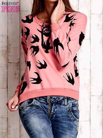 Różowa bluza w jaskółki z wiązaniem                                  zdj.                                  1