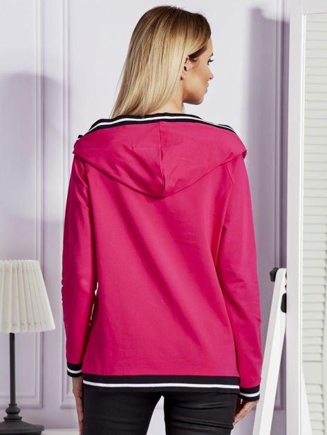 Różowa bluza z herbem z dżetów                               zdj.                              2