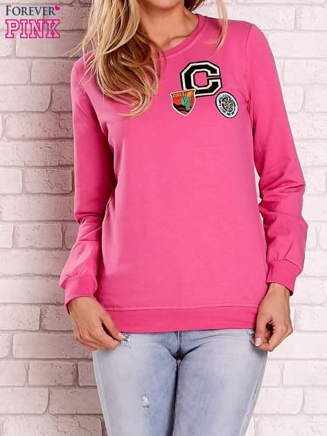 Różowa bluza z kolorowymi naszywkami                                  zdj.                                  1