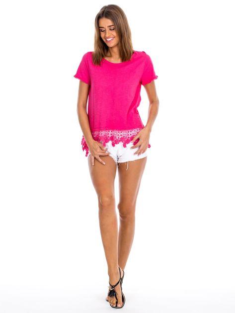 Różowa bluzka z koronkowym wykończeniem                              zdj.                              4