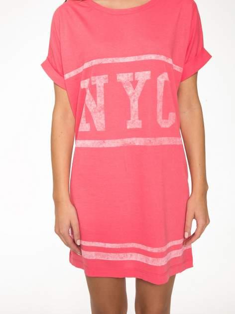 Różowa bluzosukienka z nadrukiem NYC                                  zdj.                                  8