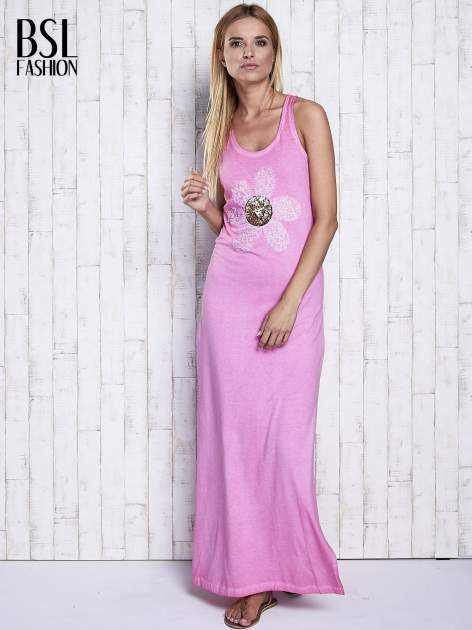 Różowa dekatyzowana sukienka maxi z cekinowym kwiatem                                  zdj.                                  4
