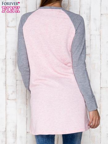 Różowa dresowa sukienka tunika z napisem GIRLS RULE                                  zdj.                                  2