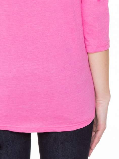 Różowa gładka bluzka z ozdobnymi przeszyciami                                  zdj.                                  8