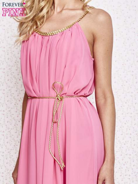 Różowa grecka sukienka ze złotym paskiem                                  zdj.                                  5
