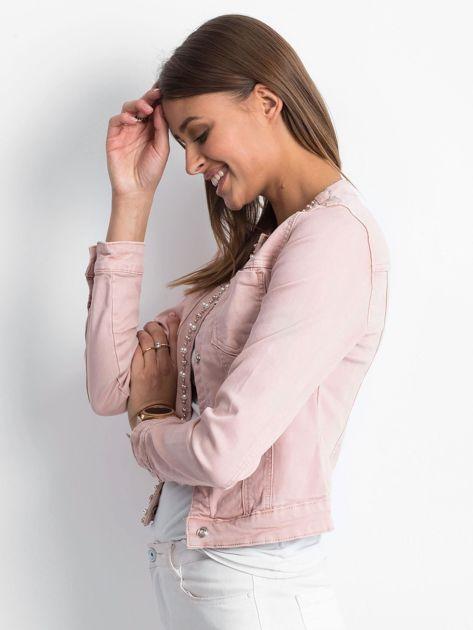 Różowa jeansowa kurtka z aplikacją                              zdj.                              3