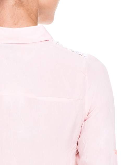 Różowa koszula damska z koronkową górą                                  zdj.                                  9