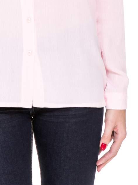 Różowa koszula z biżuteryjnym kołnierzykiem                                  zdj.                                  6