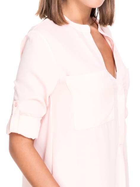 Różowa koszula z dużymi kieszeniami i dekoltem w serek                                  zdj.                                  6