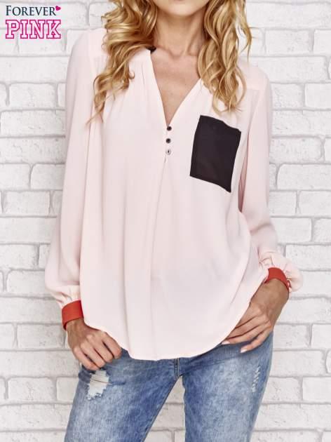Różowa koszula z kontrastową kieszenią i mankietami