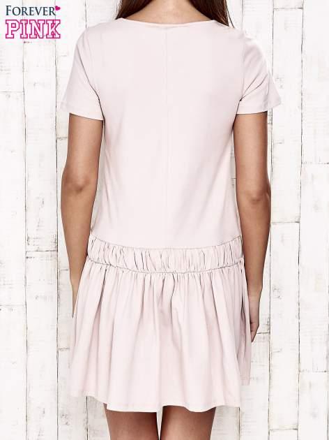 Różowa sukienka dresowa z kokardą z przodu                                  zdj.                                  2