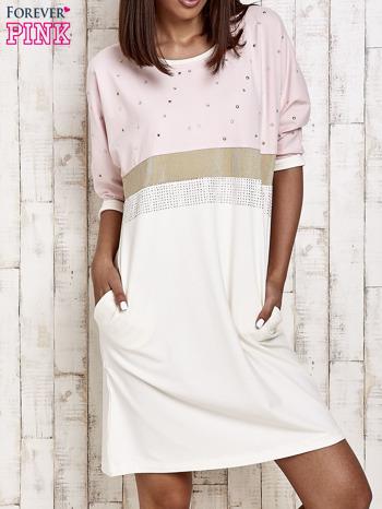 Różowa sukienka dresowa z kryształkami i dżetami                                  zdj.                                  1
