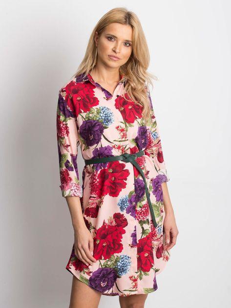 Różowa sukienka koszulowa w duże kwiaty                              zdj.                              1