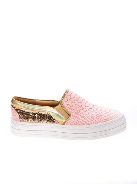 Różowe buty slip on imitujące skórę krokodyla z efektem glitter