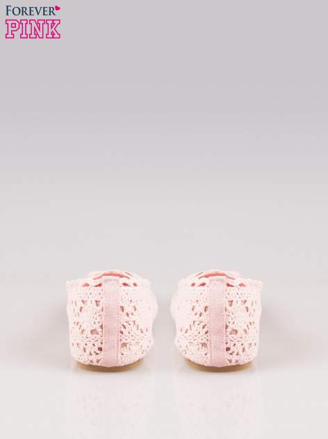 Różowe koronkowe baleriny w stylu romantycznym                                  zdj.                                  3