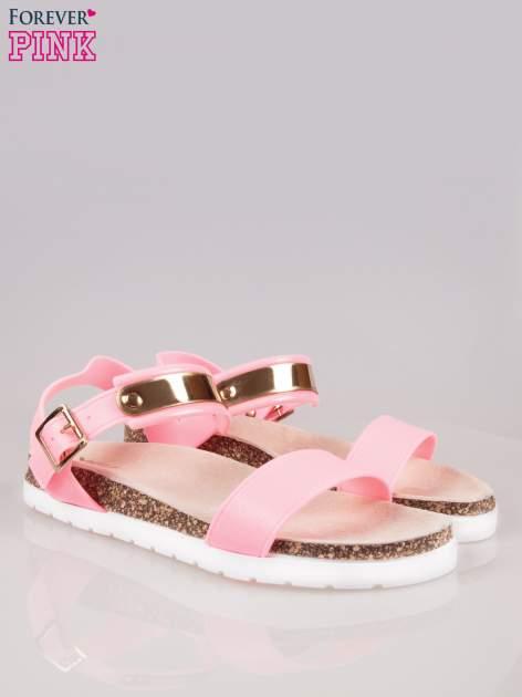 Różowe płaskie sandały z blaszką na korkowej podeszwie                                  zdj.                                  3