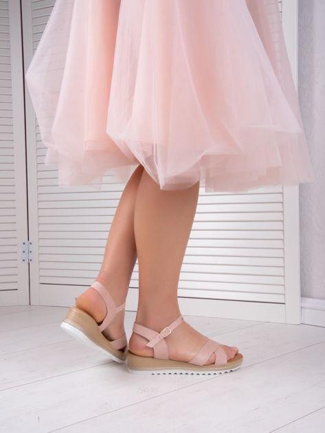 Różowe sandały BELLO STAR na podwyższeniu z paskami na krzyż                              zdj.                              7