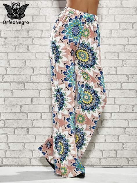 Różowe spodnie dzwony w etniczne wzory                                  zdj.                                  1