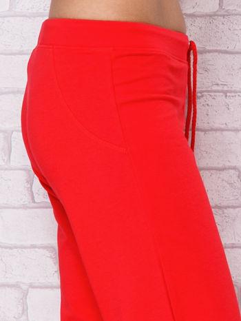 Różowe spodnie sportowe capri                                  zdj.                                  5