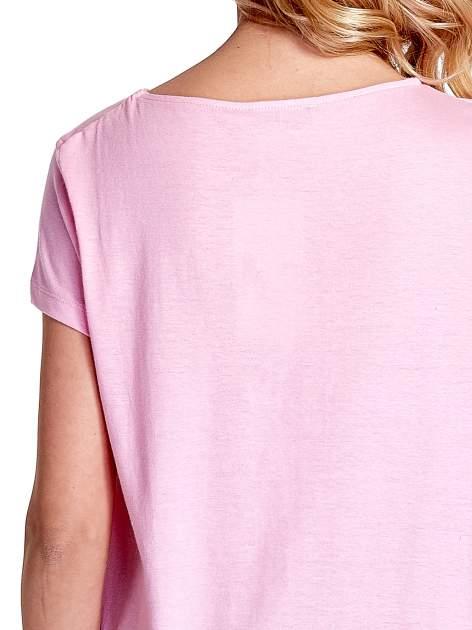 Różowy asymetryczny t-shirt                                  zdj.                                  5