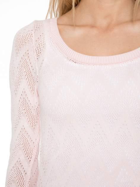 Różowy ażurowy sweterek z rękawem 3/4                                  zdj.                                  4