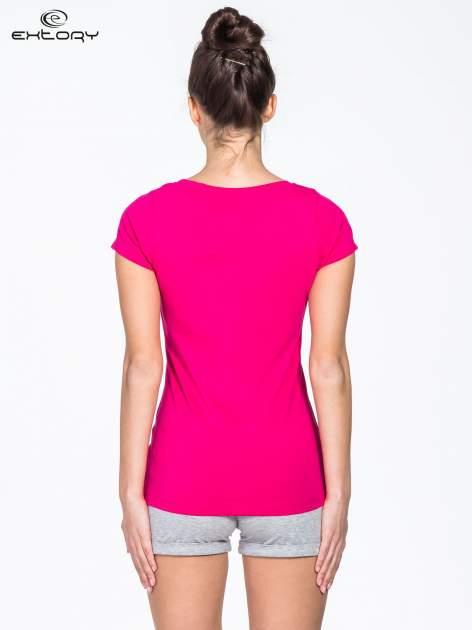 Różowy damski t-shirt sportowy basic PLUS SIZE                                  zdj.                                  2