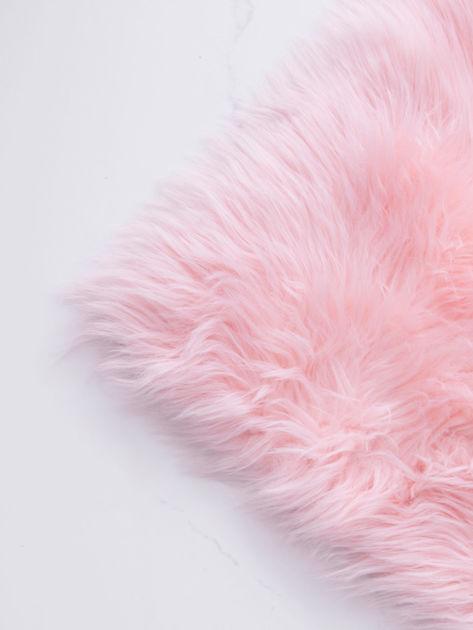 Różowy futrzany dywan                              zdj.                              5