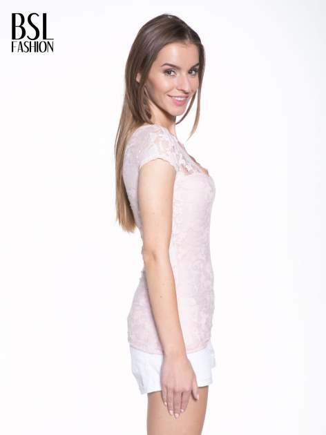 Różowy koronkowy t-shirt z głębokim dekoltem                                  zdj.                                  3